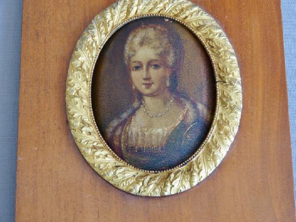 Miniature, Femme De Qualité , Début XIX ème, Cadre Acajou Et Bronze Doré