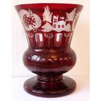 Vase Médicis En Cristal De Bohême Gravé Rouge Et Transparent, Début XX ème