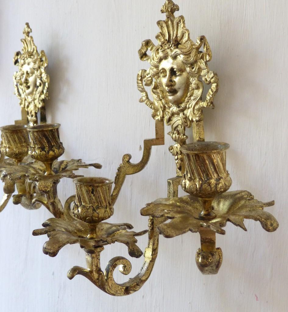 Paire d Appliques Napoléon III, Aux Visages De Femmes Dans Noeud Louis XVI, Bronze Doré