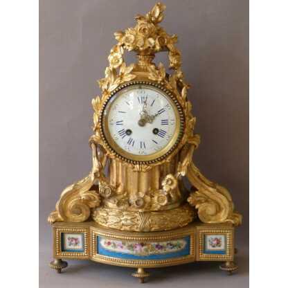Pendule, Horloge Louis XVI En Bronze Doré Et Porcelaine De Sèvres, époque XIX ème