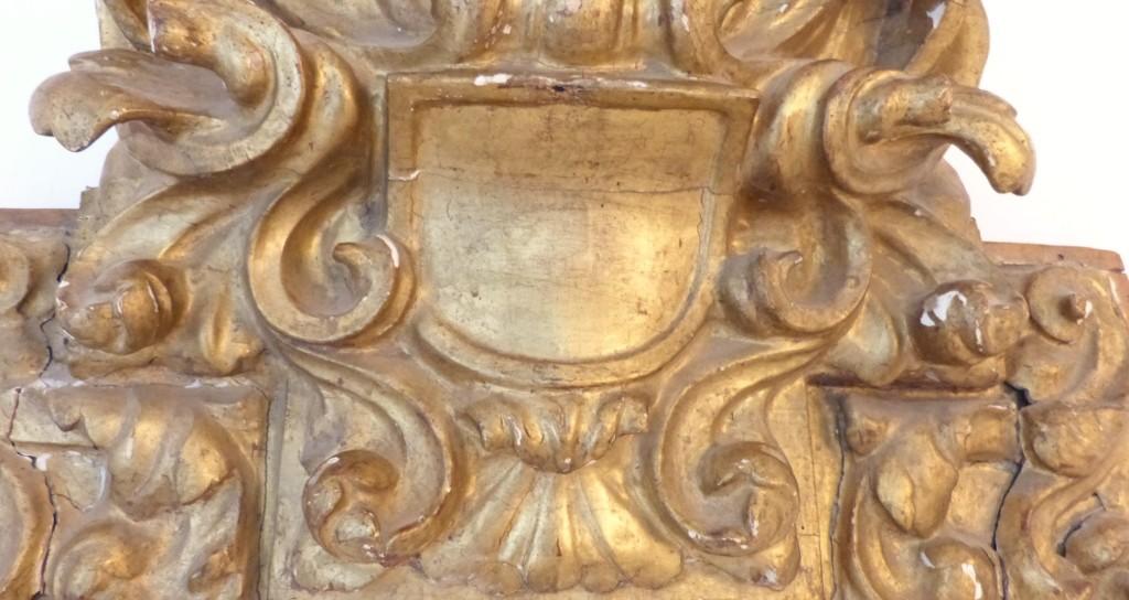 Fronton XVII ème En Bois Sculpté Doré Formant Tête De Lit, Haut De Porte