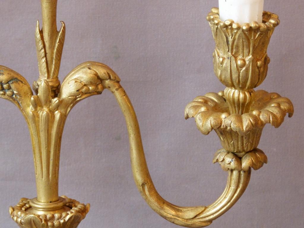 Paire De Chandeliers Aux Dauphins, 3 Branches, Bronze Doré époque Napoléon III