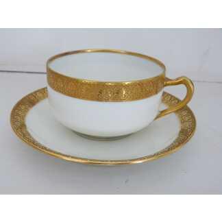 Tasse De Collection, Porcelaine De Limoges Haviland, Blanc Et Incrustation De Dorure