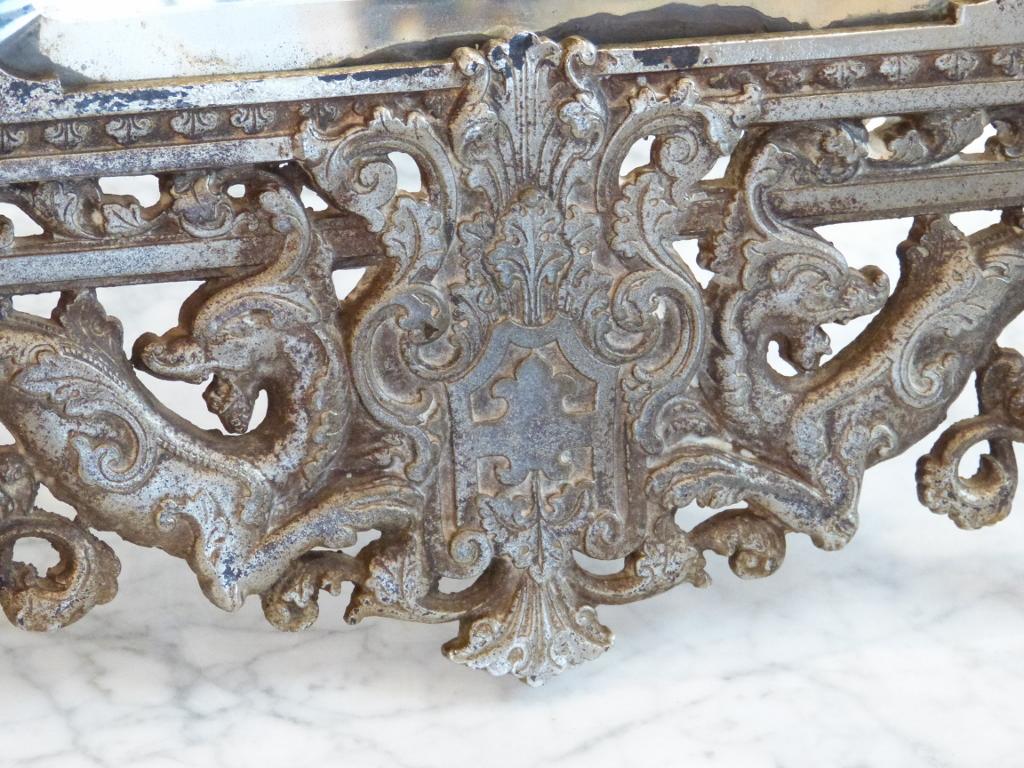Grand Miroir De Table à Poser En Métal Argenté, Décor Aux Angelots Et Dragons, XIX ème