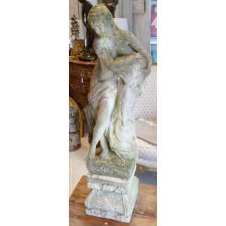 Statue, Fontaine De Jardin, Femme à La Cruche En Pierre Ciment Reconstitué