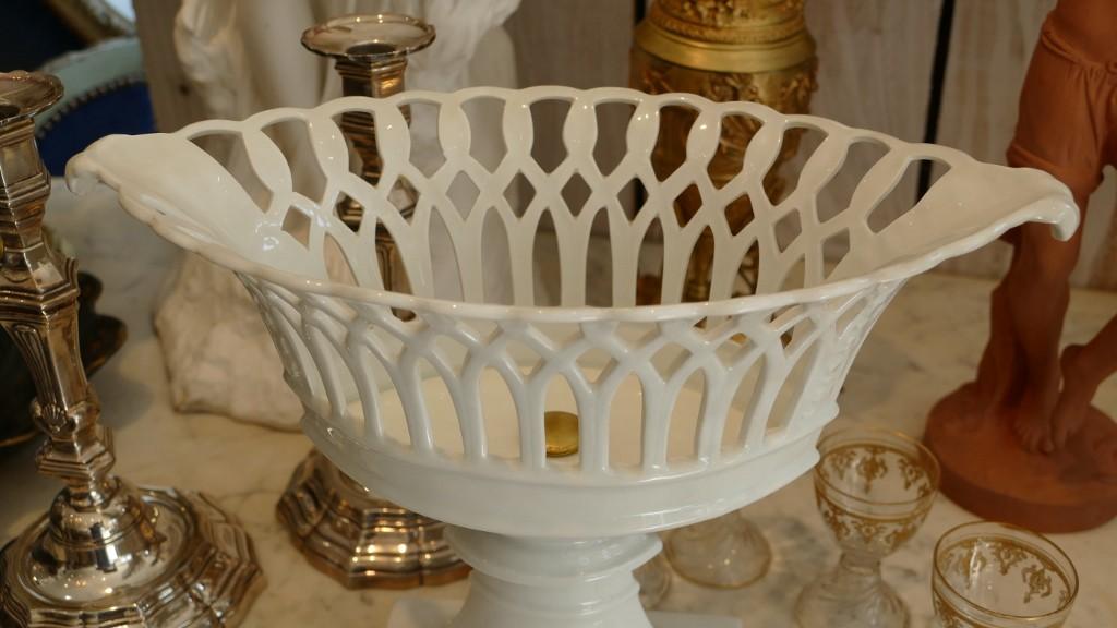 Coupe, Corbeille Ajourée De Style Empire En Porcelaine De Limoges