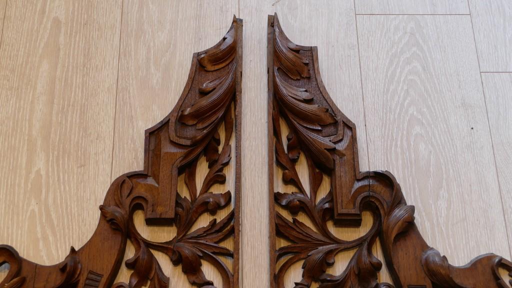 Paire d'éléments Décoratifs En Bois De Chêne Sculpté, époque XIX ème