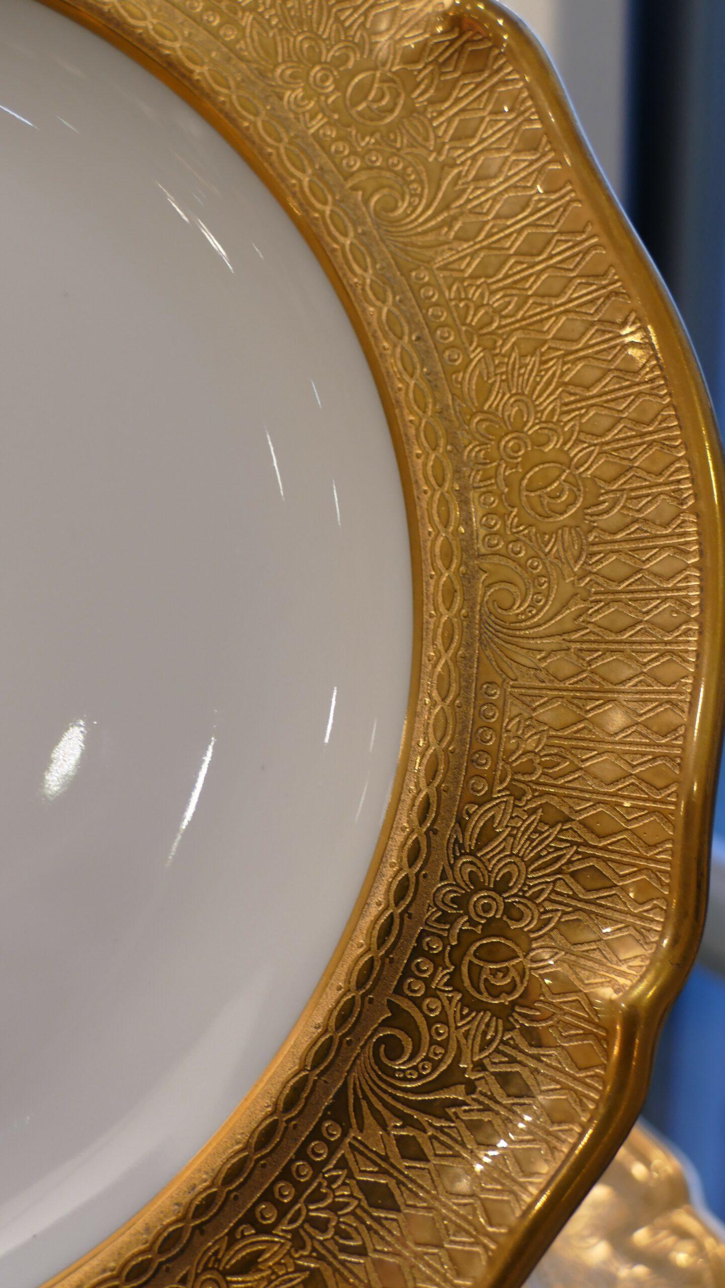 Ensemble De 6 Assiettes De Table Porcelaine Inscrustation d'Or Fin, époque Vers 1950