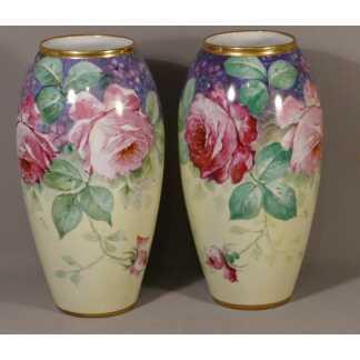Paire De Vases Aux Roses De Limoges En Porcelaine, Signés Frugier